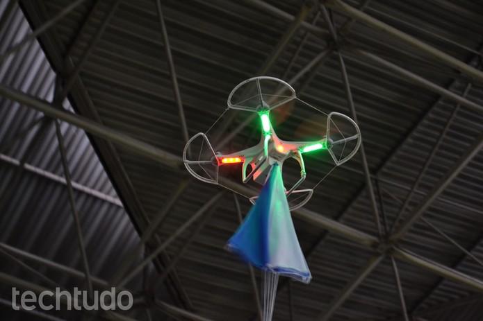 Drone voa alto na Campus Party (Foto: TechTudo/Melissa Cruz)