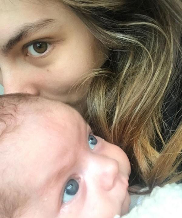 Bruna Hamú com o filho Julio (Foto: Reprodução/Instagram)
