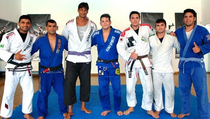 Ricardo amigos academia Clube Cabo Branco João Pessoa (Foto: Carol Fontes)