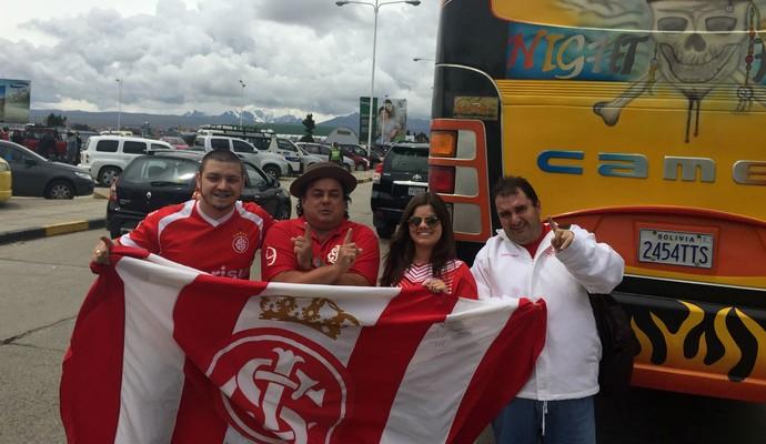 Torcedores do Inter acompanham jogadores em La Paz (Foto: Diego Guichard)