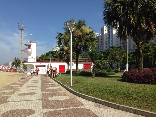 Arrastão aconteceu na Orla da Praia de Santos (Foto: Mariane Rossi / G1)