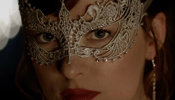 Dakota Johnson  em Cinquenta Tons Mais Escuros (Foto: Reprodução)