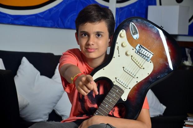 """Max Lewis, o cantor de """"Carioca Girls"""" (Foto: Roberto Teixeira / EGO)"""