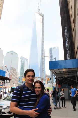 Gustavo Alfredo e sua mulher, Marcela Zanetti, em viagem recente aos EUA; ele vai para Miami e Orlando com mais 11 familiares neste fim de ano (Foto: Gustavo Alfredo/Arquivo pessoal)