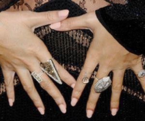 Mix de anéis é tendência entre as famosas. Veja como usar
