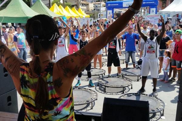 Evento foi realizado na Praça da Biquinha, em São João del-Rei (Foto: Letícia Araújo)
