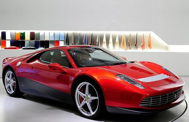 Ferrari SP12, carro do músico Eric Clapton,  parte do programa One Off (Foto: Divulgação)