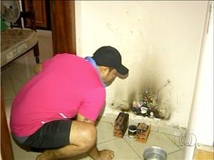 Detento improvisa para cozinhar na Unidade de Regime Semiaberto de Araguaína (Foto: Reprodução/TV Anhanguera)