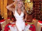 Karina Bacchi encanta com vestido branco justo em almoço de Natal