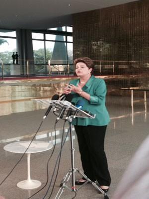 Dilma diz que vira sem-teto se não puder usar Palácio em campanha