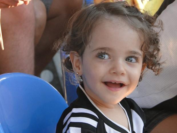 Ana Júlia vai completar 2 anos no final de Maio; família comemora evolução da menina (Foto: Arquivo pessoal)