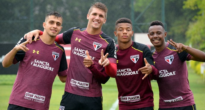Pedro; Lyanco, David Neres; Wellington; São Paulo (Foto: Lucas Fernandes)