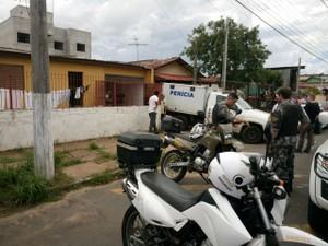 Chacina deixou mortos e feridos em Gravataí (Foto: Jonas Campos/RBS TV)