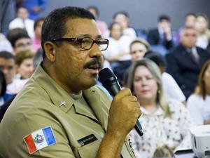 Adeildo dos Santos é o primeiro acusado a prestar depoimento no júri (Foto: Jonathan Lins/G1)