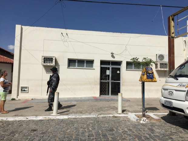 Dupla assalta agência dos Correios em Jaguaretama, no interior do Ceará (Foto: Arquivo Pessoal)