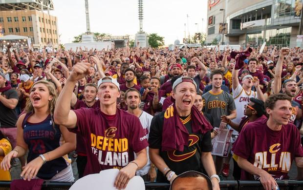 Torcedores do Cleveland Cavaliers comemoram título NBA basquete