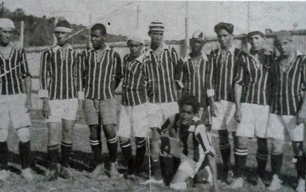 Time do Rio Branco-ES bicamepão em 1919 (Foto: Reprodução/Livro Rio Branco Atlético Clube - Histórias e Conquistas)