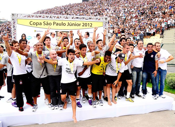 corinthians campeão copa são paulo júnior (Foto: Marcos Ribolli / Globoesporte.com)