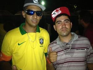Lucas e Anderson curtiram o show do MC Guime no Planeta (Foto: Caetanno Freitas/G1)