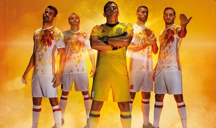 BLOG: Espetacular? Espanha apresenta camisa reserva exótica para a Eurocopa 2016