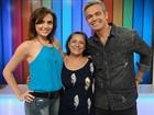 Mãe de Monica Iozzi visita a filha nos bastidores do Vídeo Show