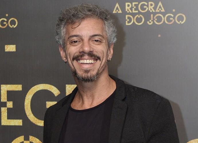 Osvaldo Mil em festa de lançamento de 'A Regra do Jogo' (Foto: Globo / Ramon Vasconcelos)
