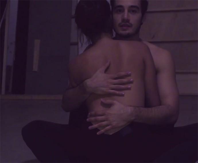 Tiago lançou o clipe neste domingo para surpresa dos fãs (Foto: Reprodução)
