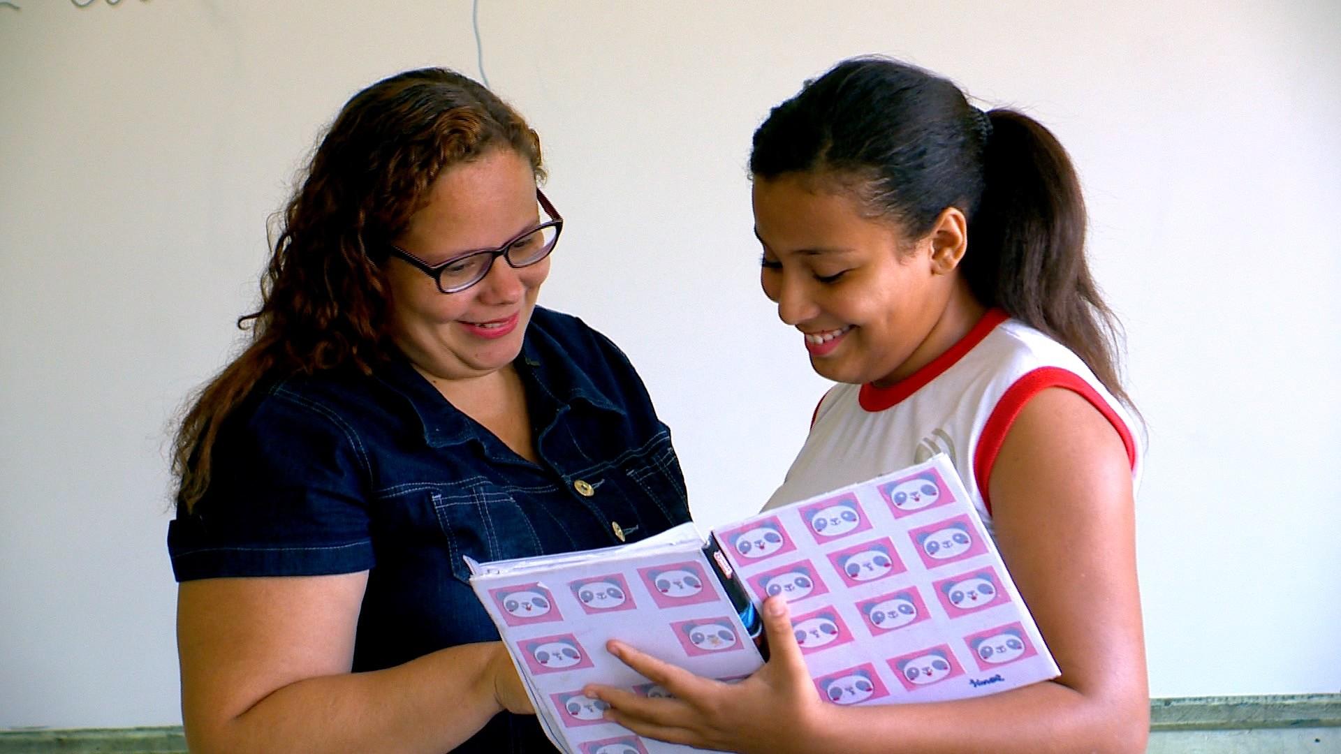 ESTV 1ª Edição faz homenagem ao dia dos professores (Foto: Divulgação/ TV Gazeta)