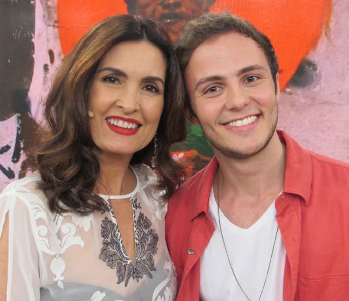 Miguel Roncato, do elenco de 'A Lenda do Mão de Luva' foi uma das atrações do 'Encontro' (Foto: Renata Viot/Gshow)