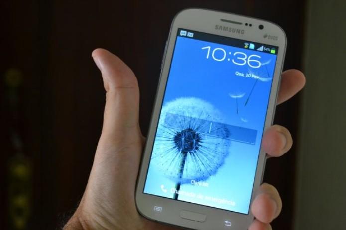 "Galaxy Gran Duos tem o ""jeitão"" do S3 (TechTudo|Pedro Zambarda)"
