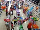 Consumidor de SC deve gastar em média R$ 446 com presentes de Natal