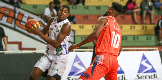 Bauru Basket x Liga Sorocabana LSB, Paulista, Michale Uchendu (Foto: Caio Casagrande / Bauru Basket)