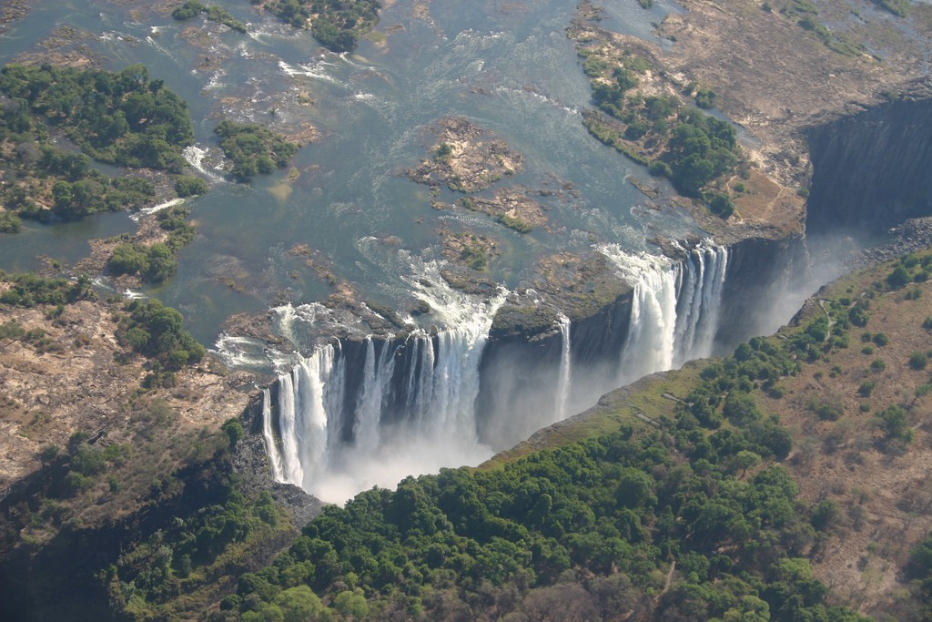 Cataratas de Vitória, entre Zâmbia e Zimbabwe  (Foto: Flickr/ i_pinz/ Creative Commons)