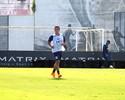 Evolução e treino com bola: Jadson completa uma semana de Corinthians