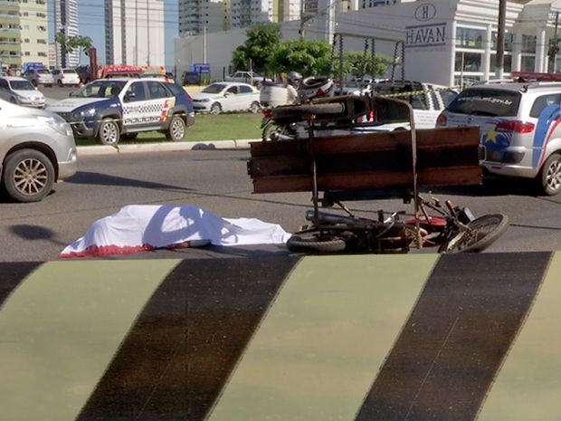 Crime ocorreu na manhã desta sexta-feira (11) na Avenida Historiador Rubens de Mendonça (CPA), em Cuiabá (Foto: Reprodução/TVCA)