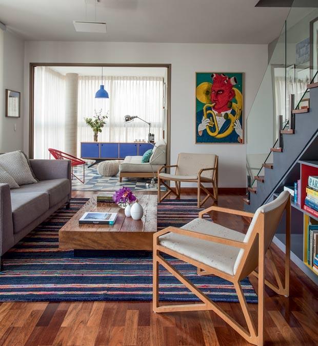 sala-tapete-mesa-de-centro-cortina-sofa-poltrona-quadro (Foto: Marco Antonio/Editora Globo)