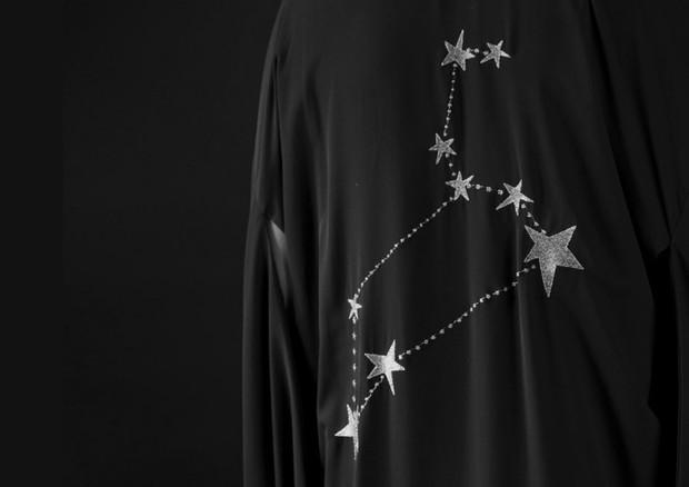 Maria Sanz e Walério Araújo lançam na Choix coleção cápsula de quimonos inspirada no zodíaco (Foto: Reprodução)