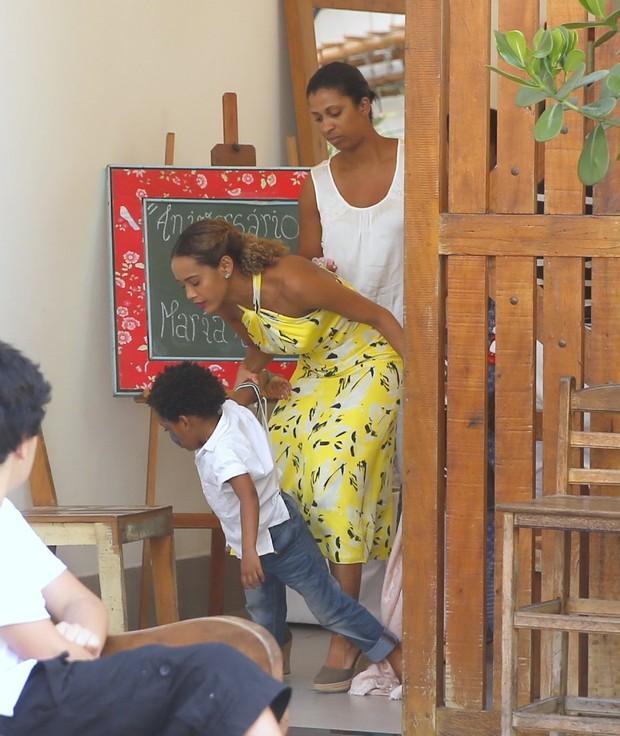 Festa da filha de Taís Araújo no Rio (Foto: Agnews)