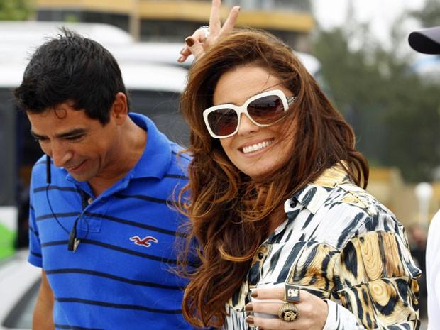 Giovanna Antonelli chega animada para a gravação (Foto: Salve Jorge/TV Globo)