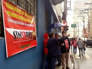 Servidores do INSS entraram em greve no dia 7 de julho em Campinas (Foto: Priscilla Geremias/ G1)