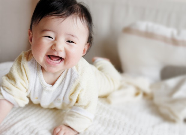 Bebê; oriental; feliz; sorriso; sorrindo; rindo (Foto: Thinkstock)