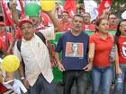 Manifestantes vão às ruas contra pedido de impeachment de Dilma