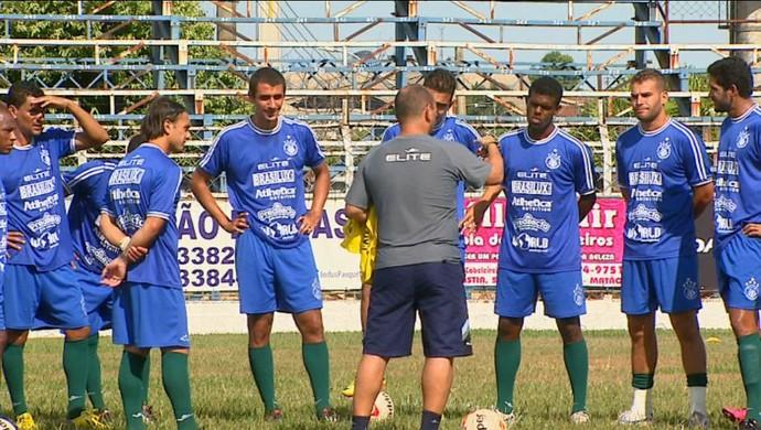 Betão Alcântara é o terceiro técnico da Matonense na Série A3 (Foto: Marlon Tavoni/EPTV)