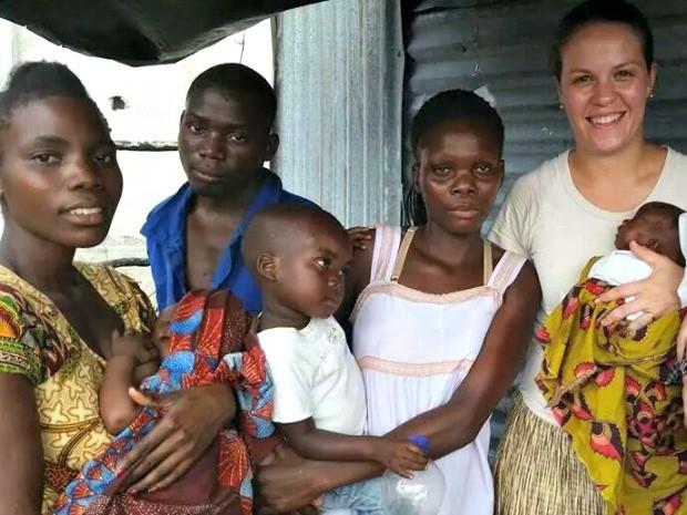 Pastores acreanos realizam trabalhos junto às famílias moçambicanas (Foto: Arquivo da Família)