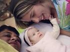 Debby Lagranha posa com a filha e o marido: 'A gente se completa'