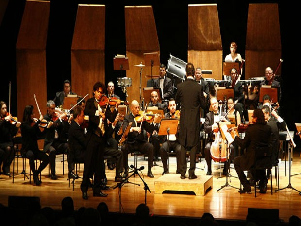 Orquestra Sinfônica de São José dos Campos faz concerto especial em homenagem a João Gomes de Araújo nesta quarta (24) no Teatro Municipal. (Foto: Charles de Moura / PMSJC)