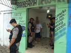 Jovem é baleado enquanto cortava cabelo em barbearia na PB, diz polícia