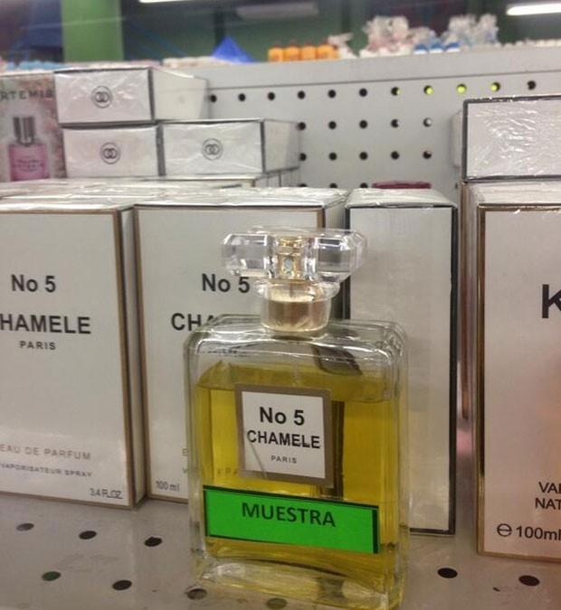 Juan Carlos Pineda postou fotos do produto falsificado em 2013.  (Foto: Reprodução/Twitter/Juan Carlos Pineda)