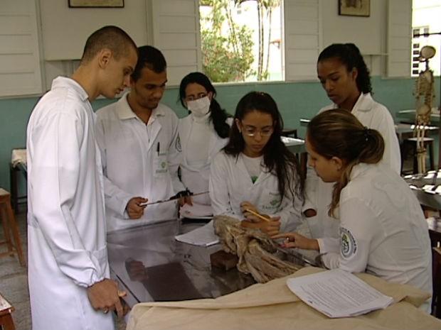 'Mercado precisa de profissionais competentes', disse gerente em enfermagem (Foto: Reprodução/TV Gazeta)