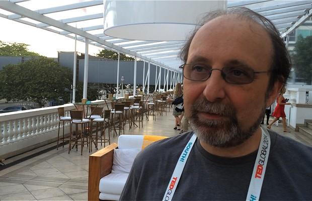 Miguel Nicolelis, pesquisador da Duke Universtiy, nos Estados Unidos, no TED Global (Foto: Reprodução)